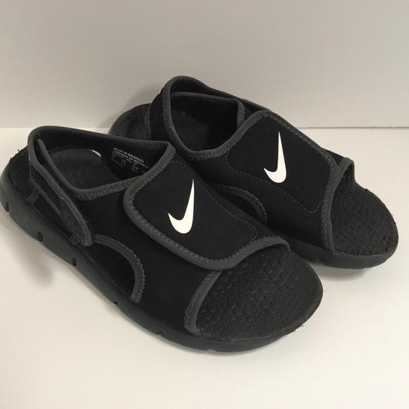premium selection ad585 d8a0b Nike sandals 2 youth boy. M 5b436770e944ba4eb27cde1e